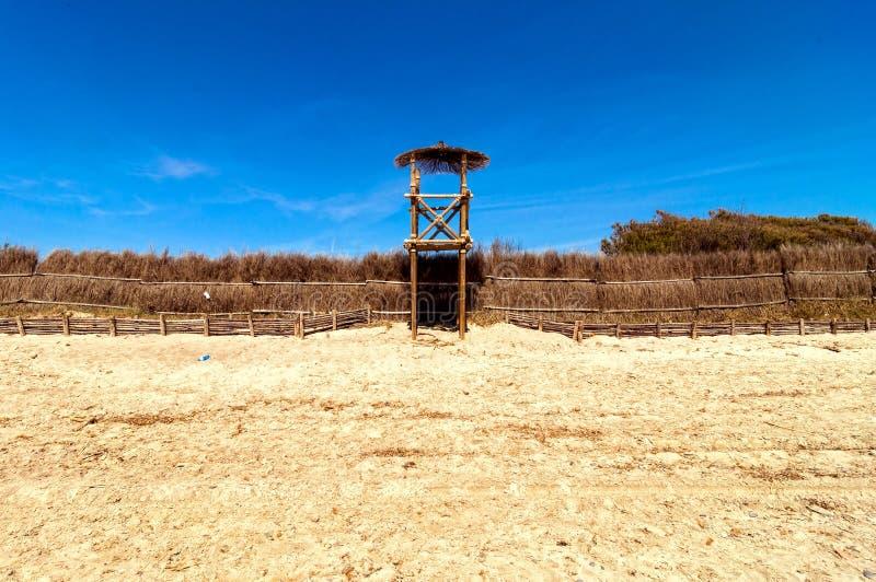 Torre de Baywatch en Piombino, Italia fotos de archivo