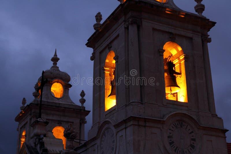 Torre de Bell assustador da igreja fotos de stock