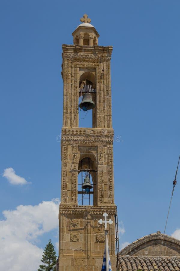 Torre de Bell da igreja antiga em Nicosia, Chipre foto de stock