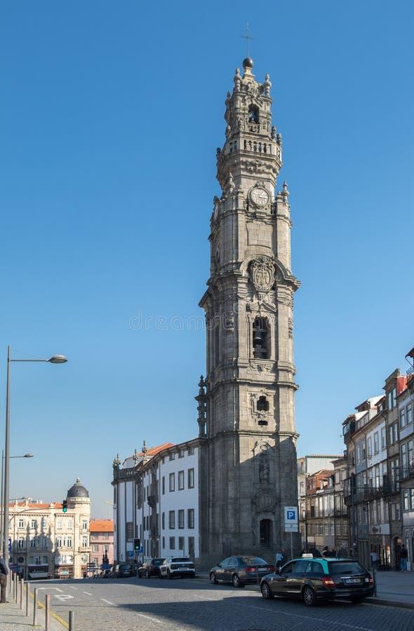 Torre de Bell da igreja de Clerigos, Porto portugal imagem de stock