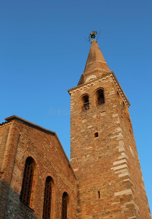 Torre de Bell do St Euphemia da igreja f na cidade de Grado dentro fotos de stock royalty free