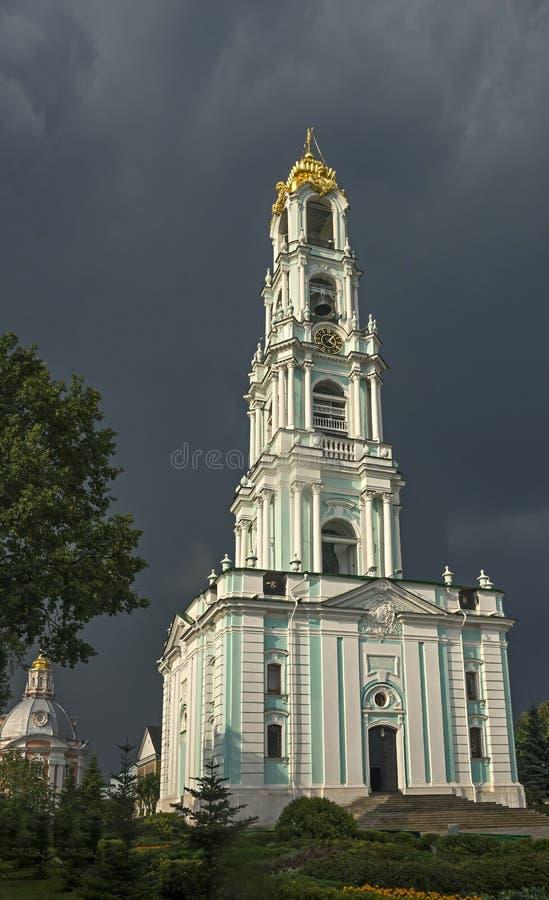 Torre de Bell em Sergiev Posad imagens de stock