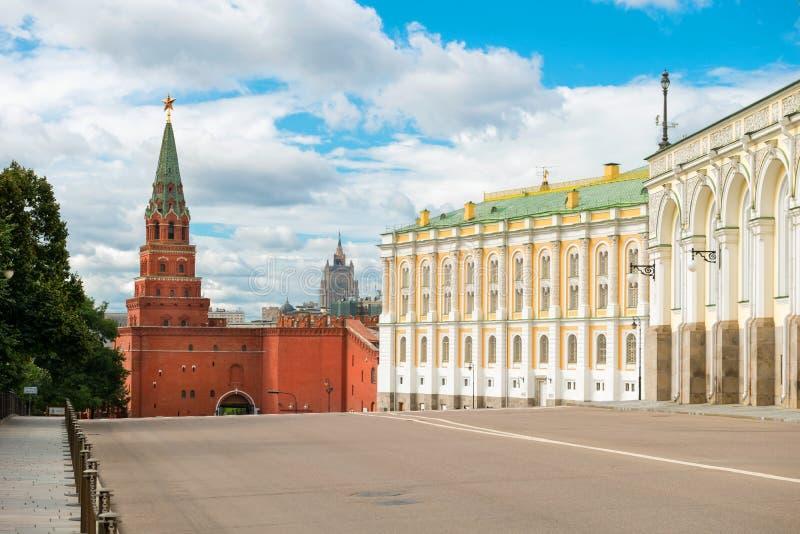 Torre de Borovitskaya de Moscovo Kremlin imagens de stock
