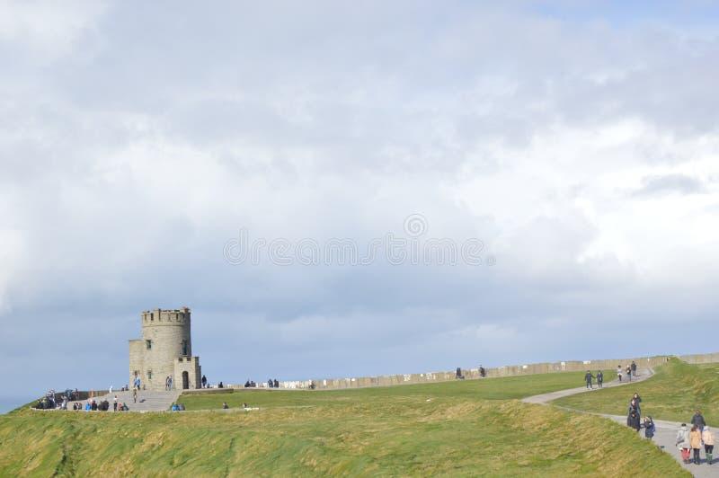 Torre de Briens del ` de O, acantilados de Moher, Irlanda imagen de archivo libre de regalías