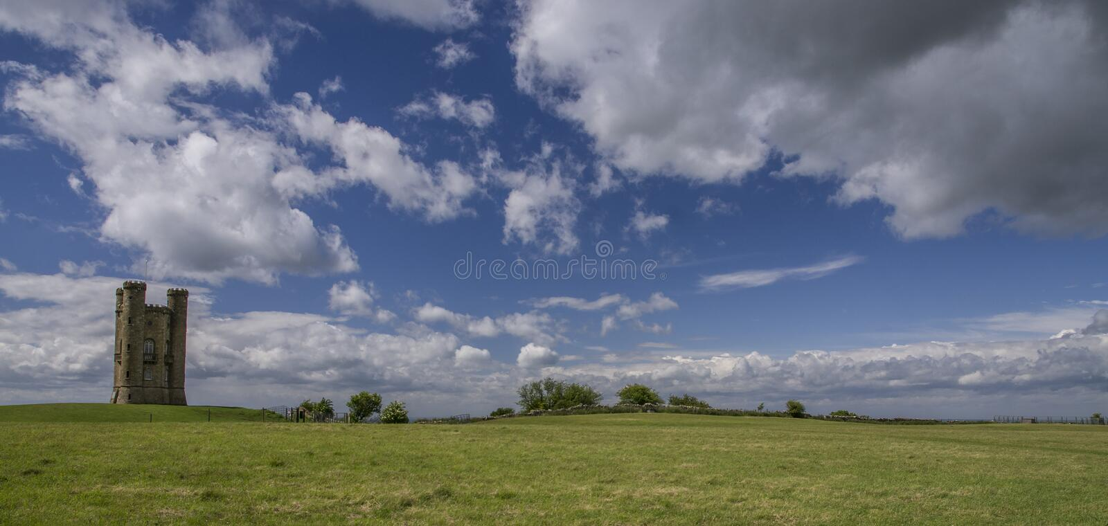 Torre de Broadway no Cotswolds Inglaterra fotos de stock royalty free