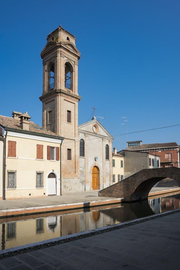 Torre de Carmine Church, Comacchio, Itália imagens de stock royalty free