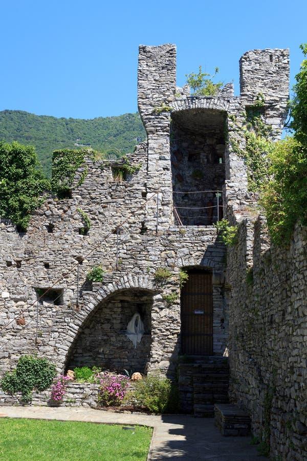 Torre de Castle Castello di Vezio cerca de Varenna en el lago Como, lago Como, Lombardía foto de archivo