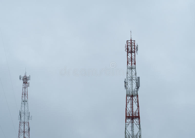 A torre de comunicação imagem de stock royalty free