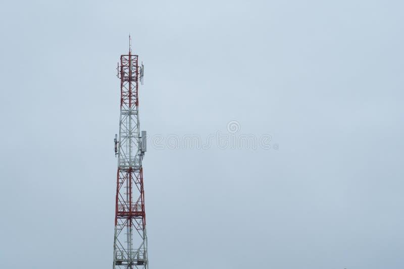A torre de comunicação fotos de stock