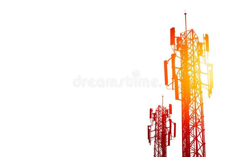 Torre de comunicação ou local da pilha do telefone da rede de 3G 4G no branco ilustração royalty free
