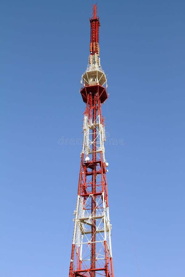 Torre de comunicación imagen de archivo