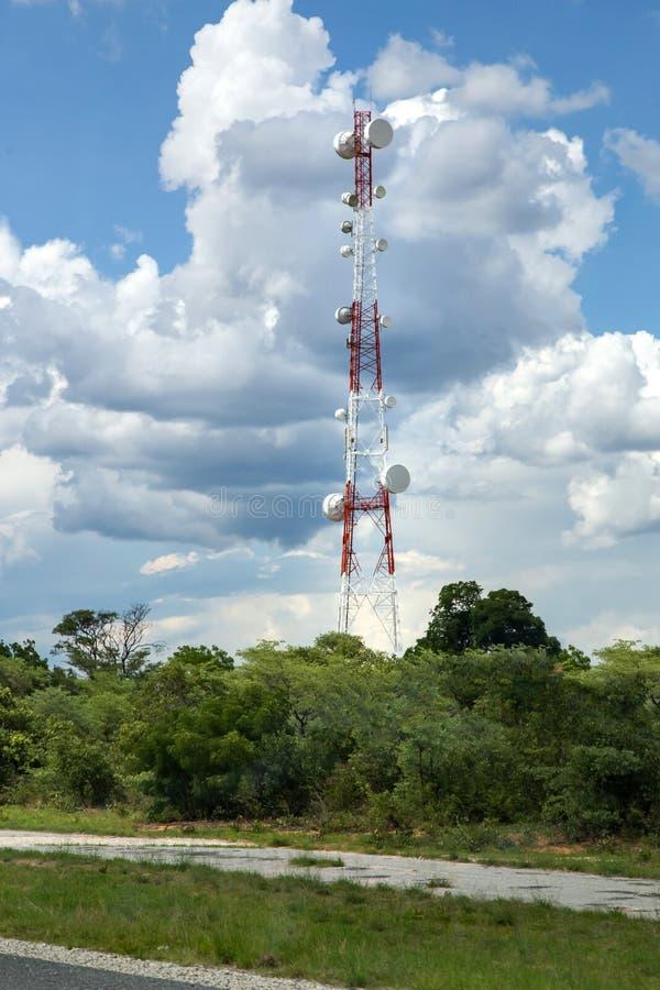 Torre de comunicaciones en Botswana imagen de archivo libre de regalías