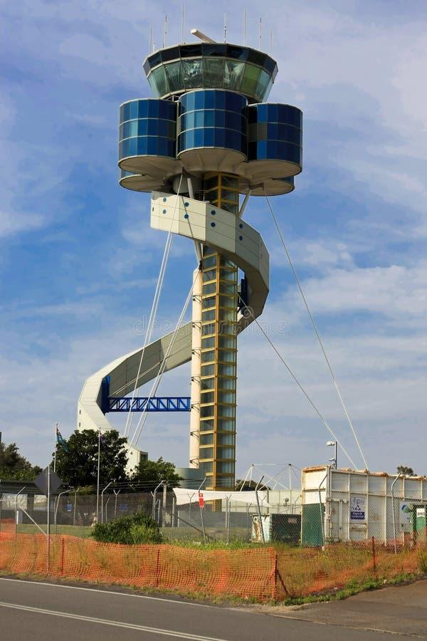 Torre de control moderna del aeropuerto en Australia. imagen de archivo