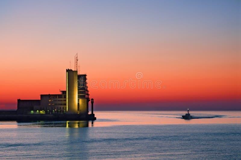 Torre de controlo no mar foto de stock royalty free