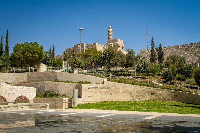 A torre de David e de Jerusalém mura o parque nacional, Israel imagens de stock