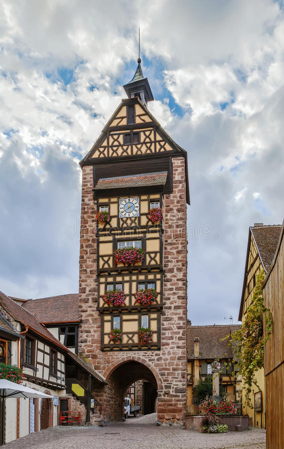 Torre de Dolder, Riquewihr, França imagem de stock