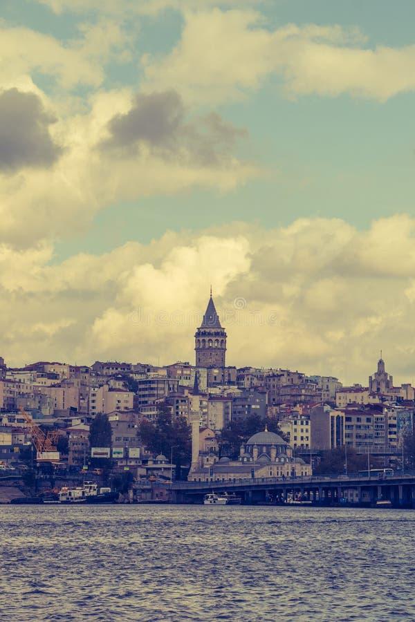 Torre de Galata das ?pocas antigas em Istambul fotografia de stock royalty free