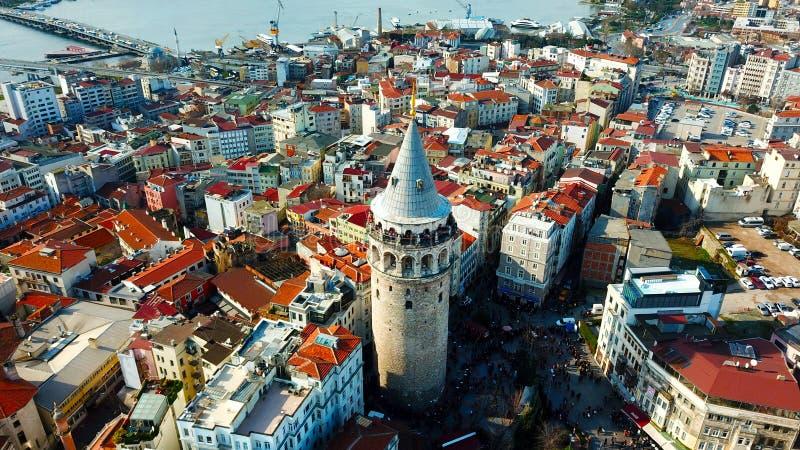 Torre de Galata, distrito da ponte de Galata, do Karakoy e paisagens douradas do chifre fotografia de stock royalty free