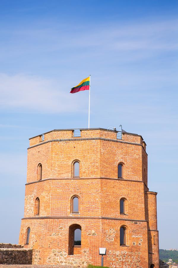 Torre de Gediminas en Vilna Símbolo histórico de la ciudad de Vilna y de Lituania sí mismo imágenes de archivo libres de regalías
