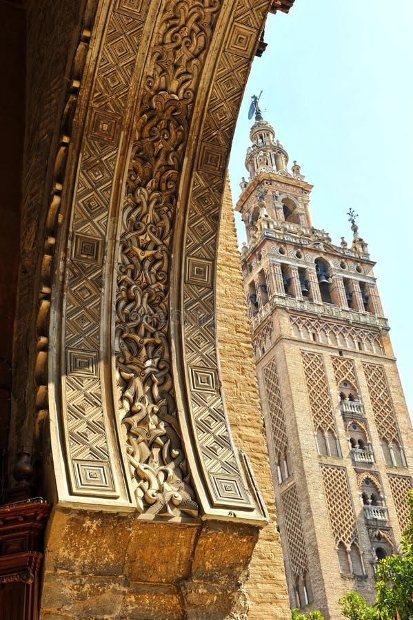 Torre de Giralda, catedral de Sevilla, Andalucía, España imagen de archivo