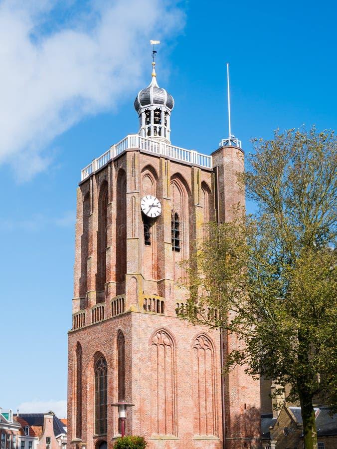 Torre de grande Saint Gertrudis Church no centro de cidade de histórico imagem de stock royalty free