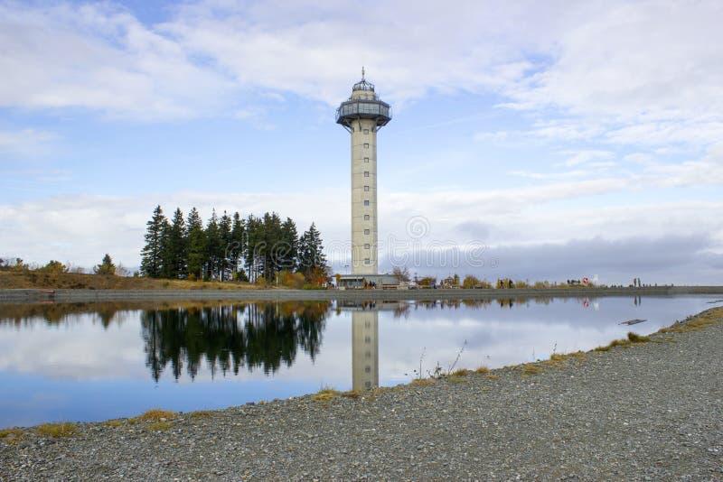 A torre de Hochheide na cimeira da montagem Ettelsberg em Willingen imagens de stock royalty free