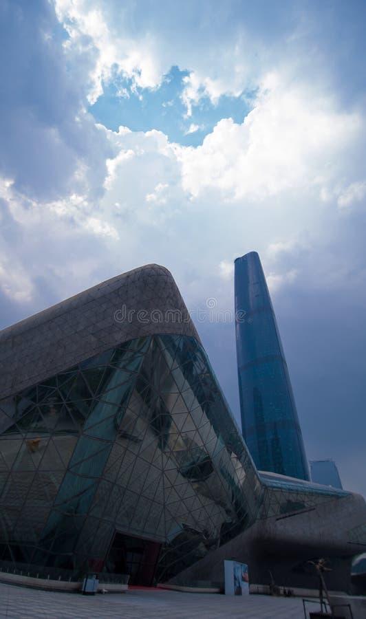 Torre de IFC y ópera de Guangzhou imagenes de archivo