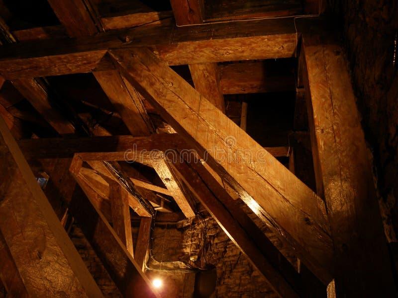 Download Torre De Iglesia Fantasmagórica Imagen de archivo - Imagen de escape, oscuridad: 1276279