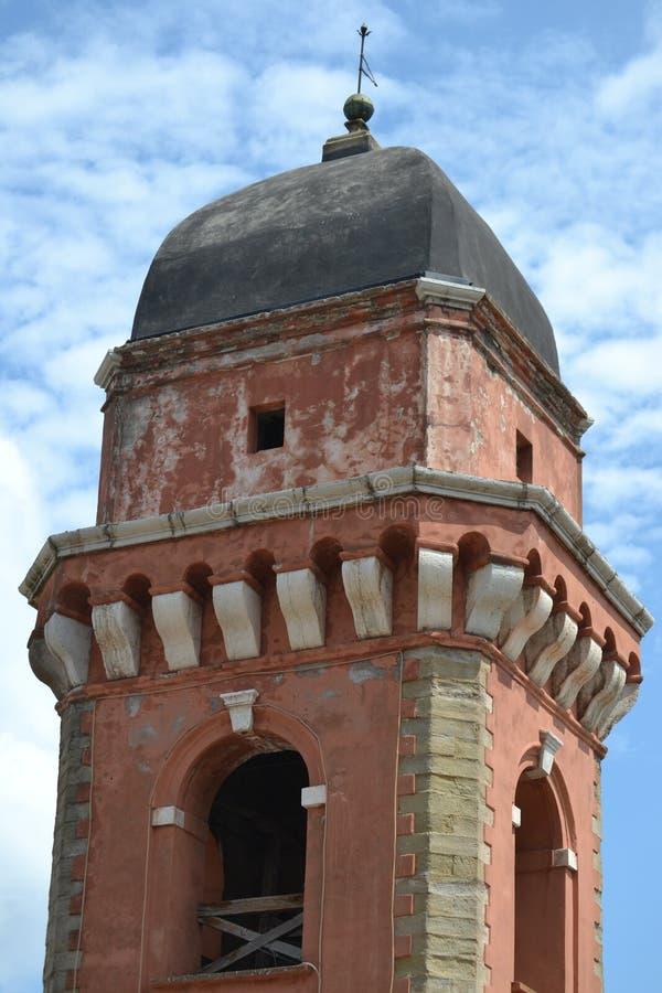 Torre de iglesia roja imágenes de archivo libres de regalías