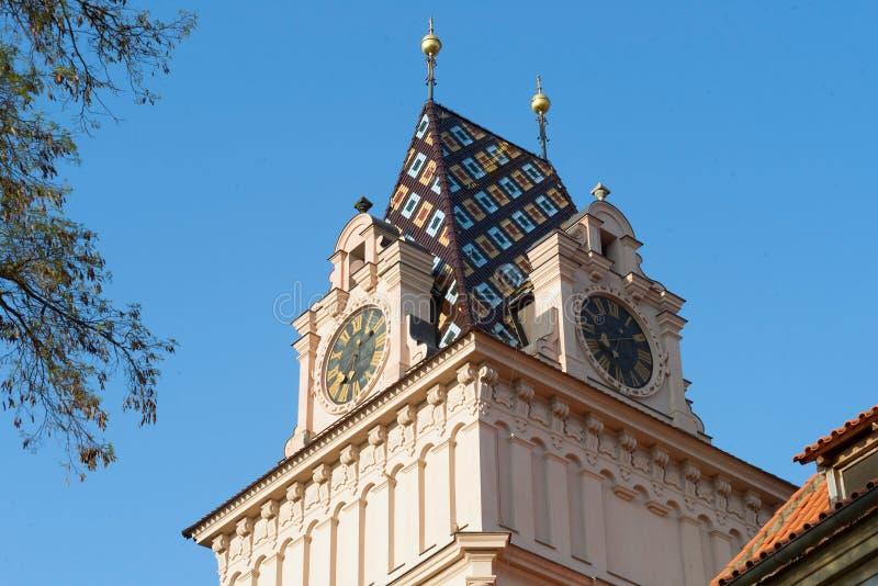 A torre de igreja barroco cronometra cores do telhado, Brandys nad Labem fotografia de stock royalty free