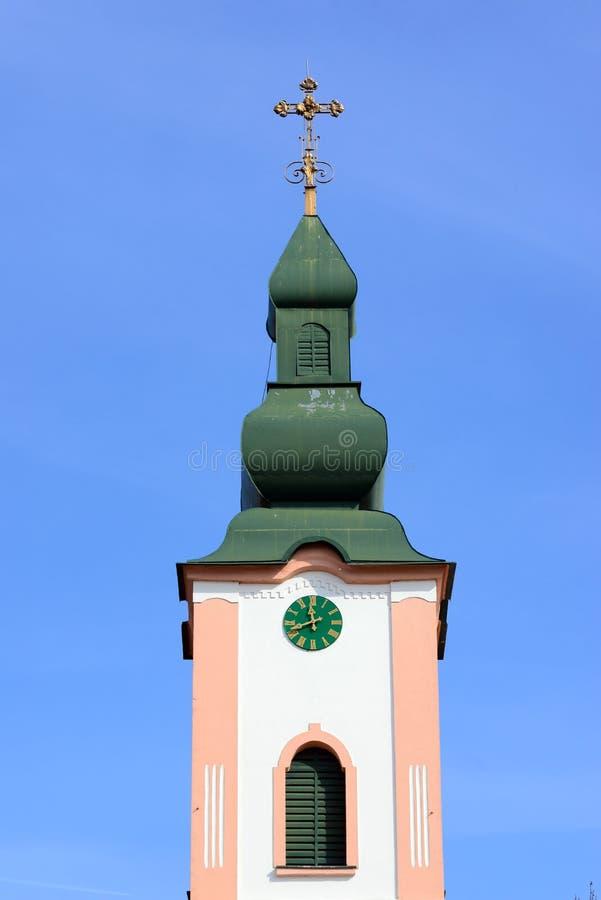Torre de igreja da vila de Giroc imagens de stock