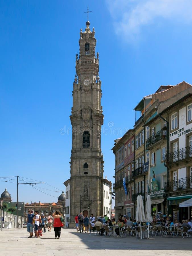 Torre de igreja de Clerigos em Porto foto de stock