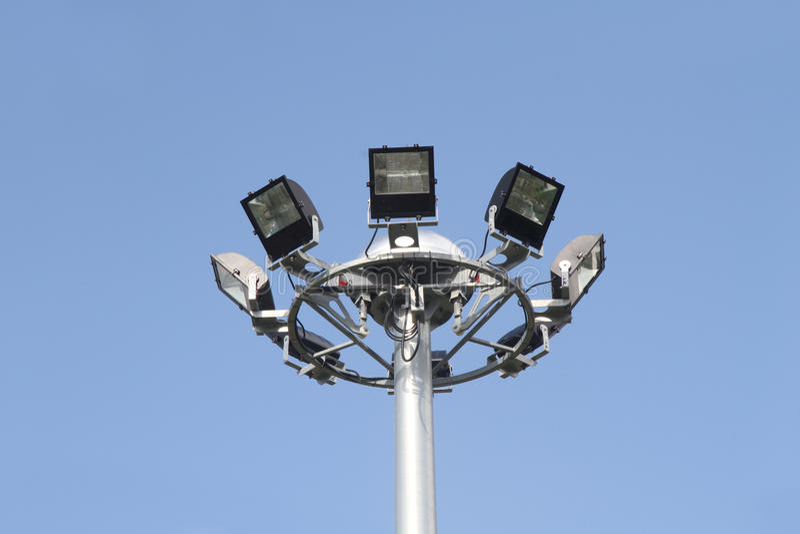 Torre de iluminação do projetor imagem de stock
