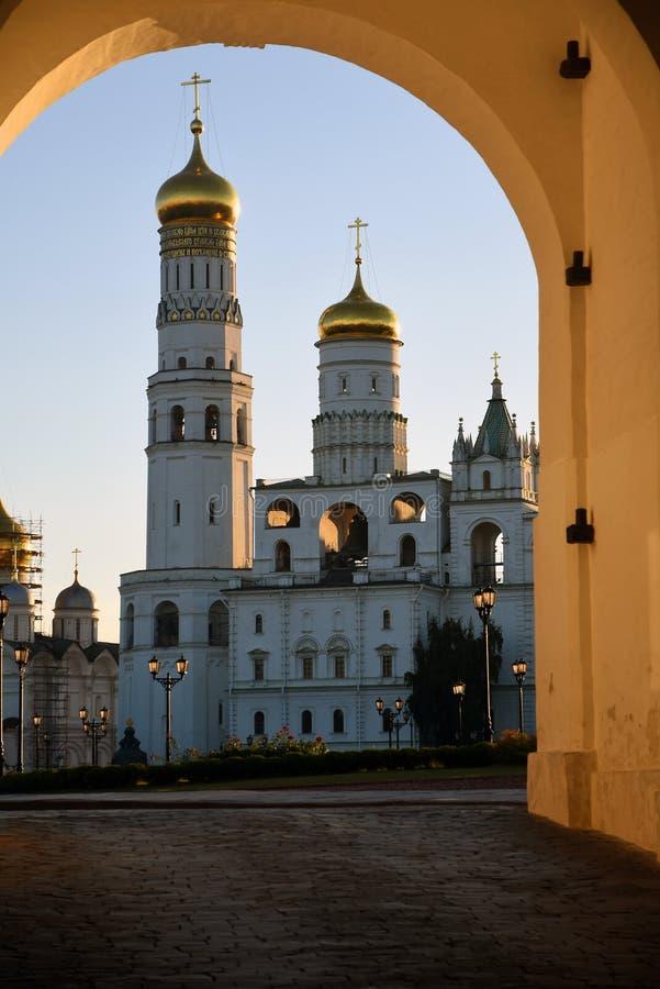 Torre de Ivan Great Bell do Kremlin de Moscou Local do patrim?nio mundial do Unesco imagem de stock