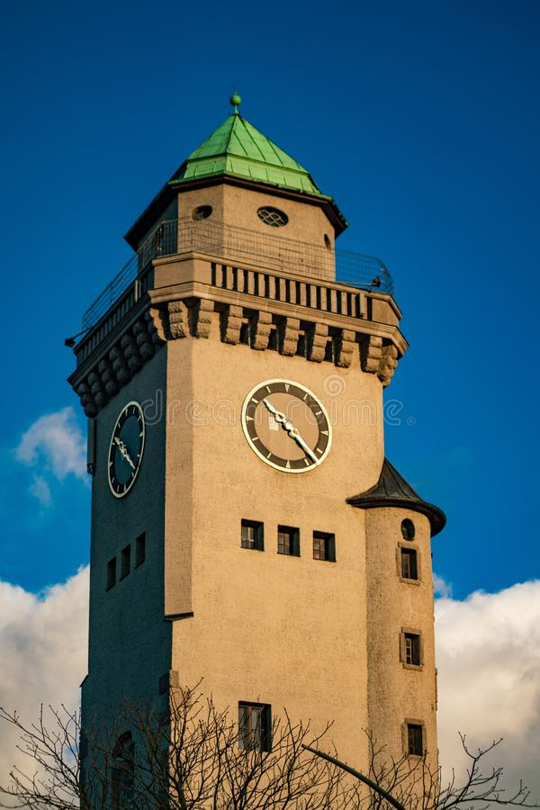 Torre de Kasino no subúrbio Frohnau de Berlim imagem de stock