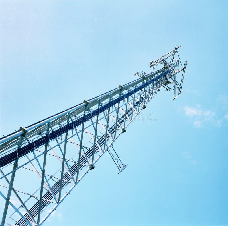 Download Torre de la célula foto de archivo. Imagen de transmisión - 186700