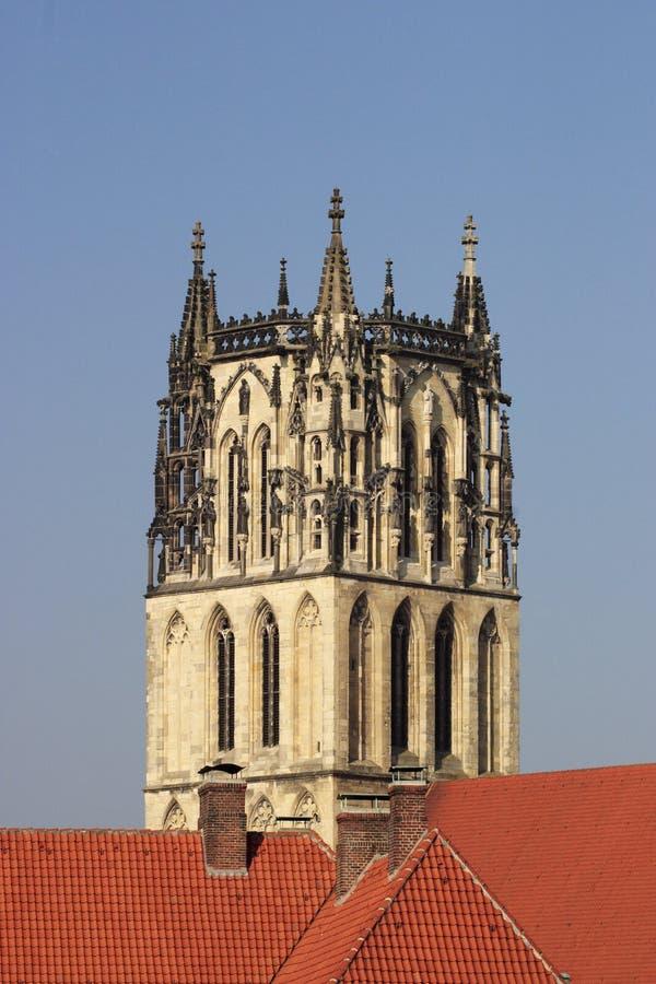 Download Torre de la catedral foto de archivo. Imagen de edificio - 64206670