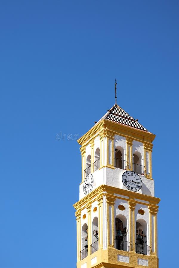 Torre de la encarnación Church Iglesia de Nuestra en la ciudad vieja de Marbella foto de archivo libre de regalías