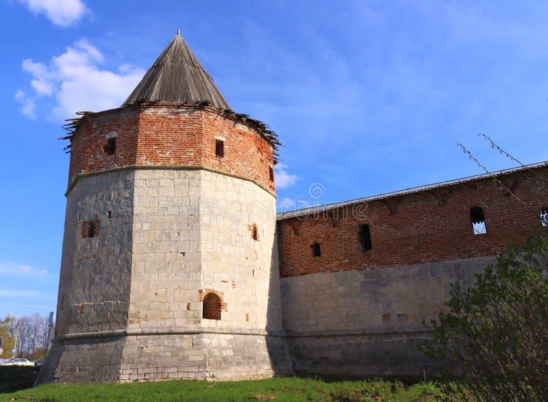 Torre de la esquina del arsenal en Zaraysk el Kremlin fotografía de archivo