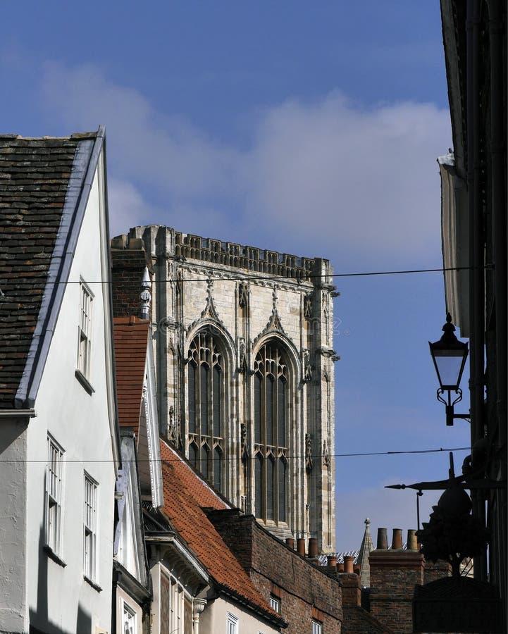 Torre de la iglesia de monasterio de York imagenes de archivo