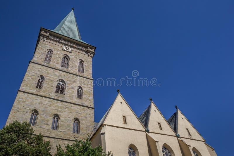 Torre de la iglesia del St Katharinen en Osnabrück fotografía de archivo