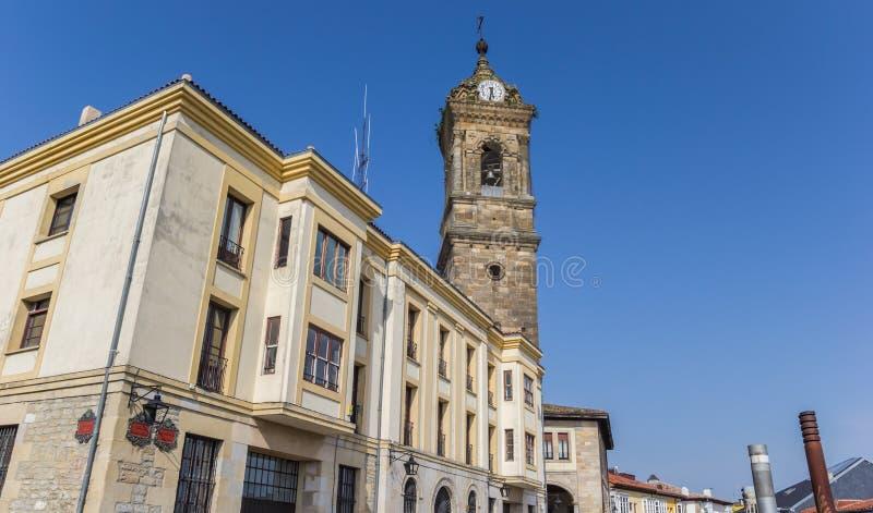 Torre de la iglesia de San Vicente en Vitoria Gasteiz foto de archivo