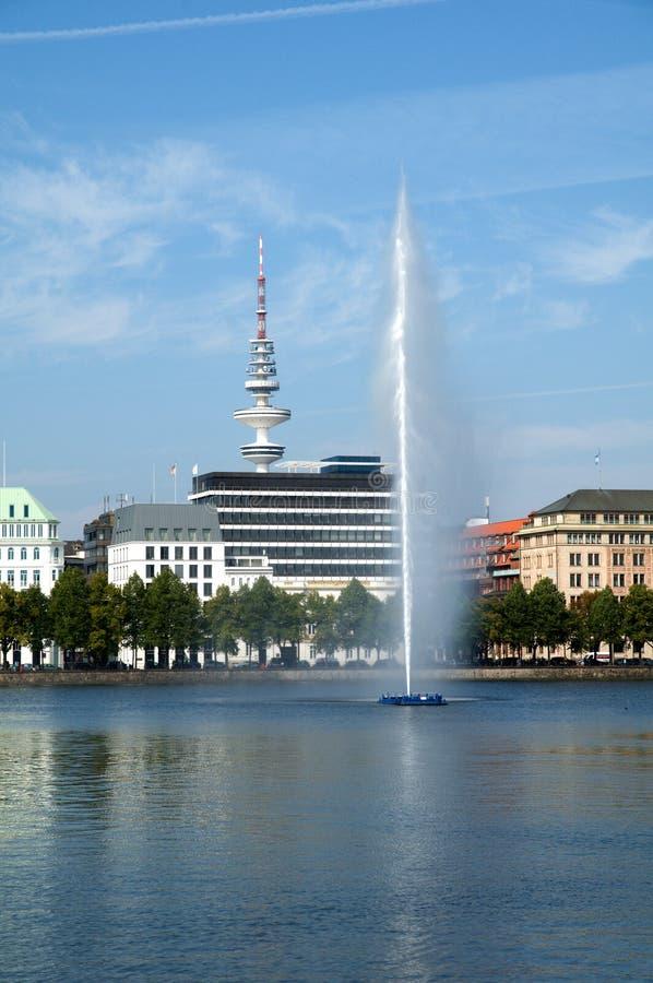 Torre de la TV del lago Binnenalster fotografía de archivo libre de regalías