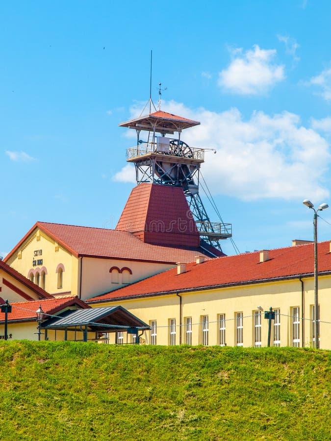 Torre de las minas de sal de Wieliczka, Polonia del eje de mina imagenes de archivo