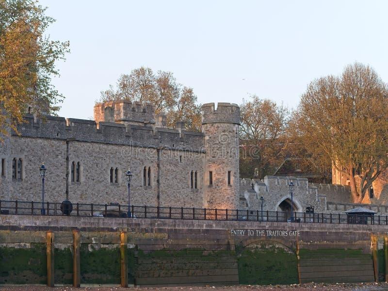 Torre de Londres com entrada ao Traitor' porta de s fotos de stock royalty free