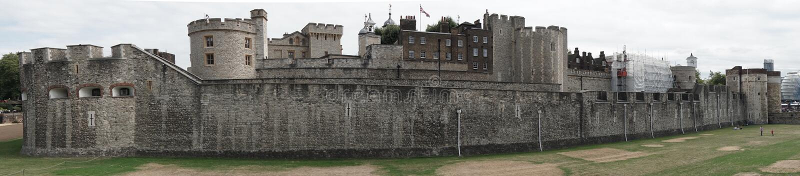 Torre de Londres em Londres, Inglaterra, vista panorâmica larga fotografia de stock