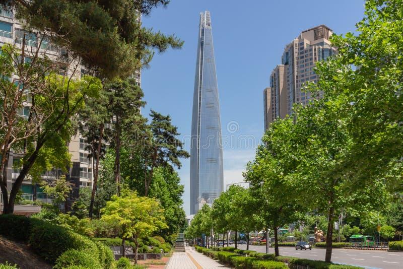 Torre de Lotte en Seúl fotografía de archivo