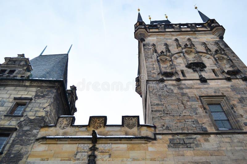 Torre de Mesto do olhar fixo em Praga. foto de stock royalty free