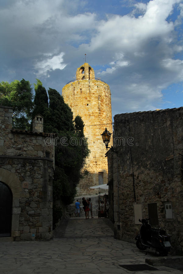 Torre de Pals, Girona, Costa Brava, Cataluña, España fotografía de archivo libre de regalías