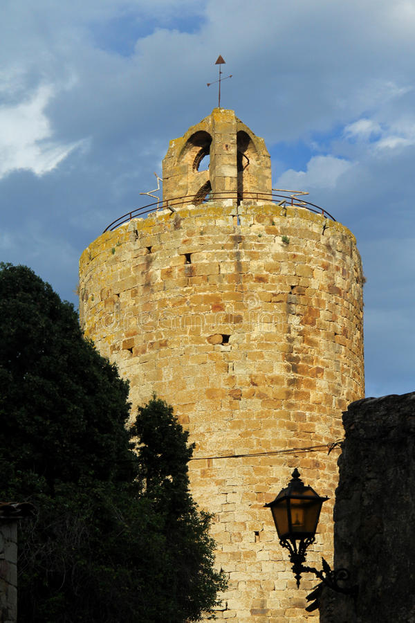 Torre de Pals, Girona, Costa Brava, Cataluña, España imagenes de archivo